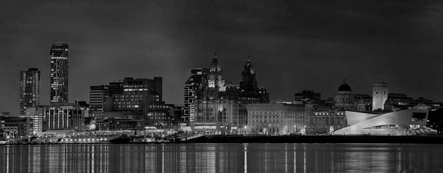 Scoring a perfect 30/30 Liverpool Waterfront by Tom Kipping