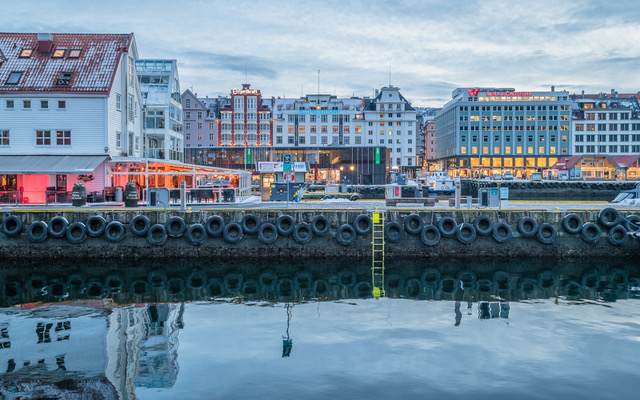 Bergen Harbour at Dusk_Derek Gould