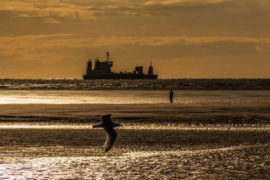 Phil Longfoot - On the Horizon