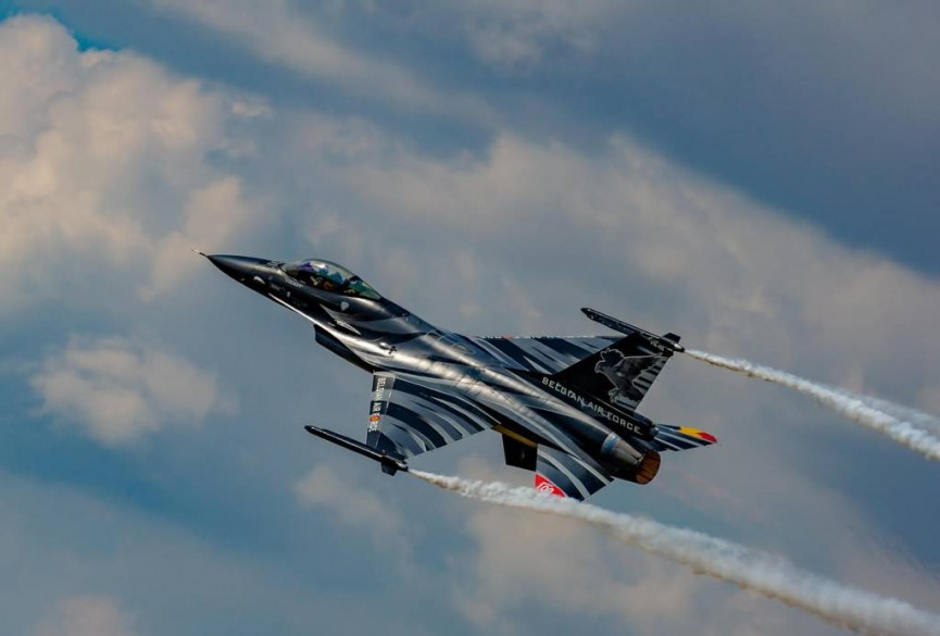 3rd place colour - Solo F16 Falcon display' by Martin Reece